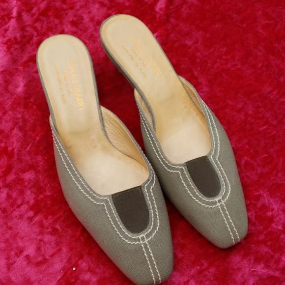Donald J. Pliner Shoes - Donald J Pliner kitten heels 7.5
